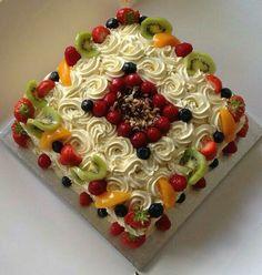 Fresh cream fruit cake