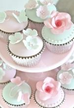 cupckaes from little boutique bakery