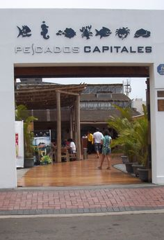 Pescados Capitales - Restaurant located in Miralfores and Chacarilla, Peru