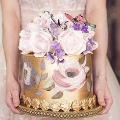 Small Wedding Cakes, Luxury Wedding Cake, Floral Wedding Cakes, Beautiful Wedding Cakes, Wedding Cake Designs, Beautiful Cakes, Alternative Wedding Cakes, Wedding Cake Alternatives, Painted Wedding Cake