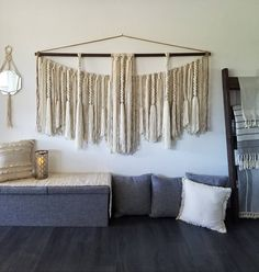 Newest Pic Macrame Wall Hanging yarn Concepts Macrame is back however you like! If the design and style is actually a little bit boho, any macrame Large Macrame Wall Hanging, Yarn Wall Hanging, Wall Hangings, Yarn Wall Art, Diy Wall Art, Above Couch, Bed Wall, Wall Spaces, Bed Sofa