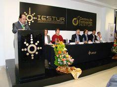 Con el sello de excelencia se reconocen los méritos en materia de gestión de servicios turísticos para la Agencia de Viajes IESTUR, además de sus 35 años al formar profesionales en Turismo y Gastronomía.
