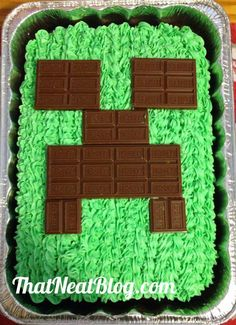 Hershey chocolate bars minecraft creeper cake - triple chocolate fudge, 2015 Halloween - chocolate: Minecraft Ice Cream Cake, Eat & Play At The Same Time By jenniferW - LoveItSoMuch Minecraft Party, Bolo Minecraft, Minecraft Birthday Cake, Minecraft Cupcakes, Minecraft Houses, Minecraft Food, Boy Birthday Parties, 8th Birthday, Birthday Ideas