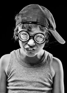 funny portrait of children Creative Photography, White Photography, Portrait Photography, Photographie Street Art, Expressions Photography, Making Faces, Face Reference, Face Expressions, Black And White Portraits