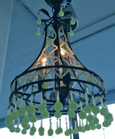 love this tiny chandelier !