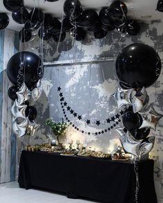"""Last but not the least . У нас часто спрашивают, отмечают ли у нас """"взрослые"""" праздники? Да, отмечают )) Вот такая красота сегодня на 25летие Марьяны больше интересного -в сториз декор от @decor_lavkatalantov"""