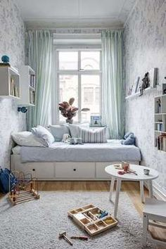 Small Kids Room Design Ideas Small kids room design ideas Kids do not need a lot of space.They need a room where they feel safe and can be creative.And small children's rooms can be bright and lovely spaces. Small Apartment Bedrooms, Small Room Bedroom, Trendy Bedroom, Small Rooms, Kids Bedroom, Small Spaces, Kids Rooms, Room Kids, Master Bedroom