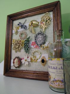 tutorial: make your own jewelry holder from an old picture frame/burlap/scrap fabric