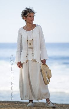 Natural white linen gauze top Anaïs (flared and slit sleeves, slit on the hips) with our oatmeal linen Zoé skirt -:- AMALTHEE -:- n° 3510