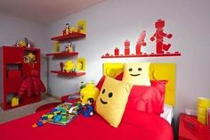 That's just fun. A Fantastic LEGO-Themed Bedroom Filled With Bespoke Toys & Furniture - DesignTAXI.com