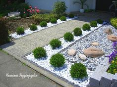 Front garden design with boxwood - Garden Design Ideas Stone Landscaping, Front Yard Landscaping, Landscaping Plants, Landscaping Ideas, Backyard Ideas, Front Garden Landscape, Landscape Design, Front Gardens, Outdoor Gardens