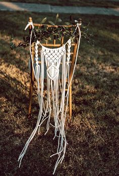 Boho combines a variety of details from the style of hippie, vintage and many ethnic elements. The best boho wedding trends 2020 are collected here. Tropical Wedding Bouquets, Lilac Wedding, Wedding Vases, Elope Wedding, Wedding Decorations, Wedding Bride, Bohemian Wedding Theme, Bohemian Wedding Inspiration, Boho Wedding Dress