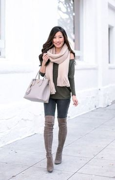The Softest Tunic Tees + Petite-Friendly Winter Coats - Extra Petite Grey Boots Outfit, Thigh High Boots Outfit, Over The Knee Boot Outfit, Winter Boots Outfits, Fall Outfits, Gray Boots, Casual Chic Outfits, Style Casual, Extra Petite