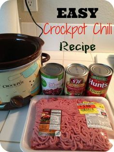 The EASIEST slow cooker chili recipe ever!! Even the kids love this 5 Ingredient Crockpot Chili Recipe.