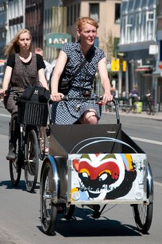 Customize the children box Christiania Bike, Professional Painters, Baby Strollers, Children, Baby Prams, Young Children, Boys, Kids, Prams