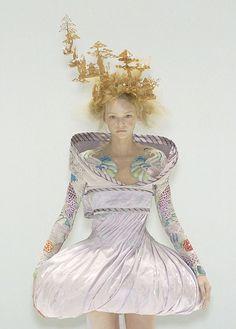 Gemma Ward at Alexander McQueen Spring 2005