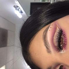makeup looks halloween Glam Makeup, Purple Eye Makeup, Makeup On Fleek, Flawless Makeup, Cute Makeup, Gorgeous Makeup, Pretty Makeup, Skin Makeup, Makeup Inspo