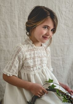 Little Girl Fashion, Kids Fashion, Little Girl Dresses, Flower Girl Dresses, Première Communion, Baby Couture, Heirloom Sewing, Cute Outfits For Kids, Baby Sewing