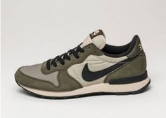 Nike Internationalist (Dark Loden / Black - Rattan - Black)