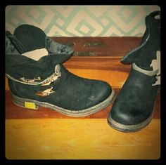Women's boots Women's vintage style ankle boots. Brand new never been worn Qupid Shoes Ankle Boots & Booties