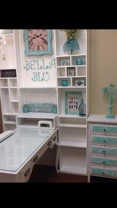 BellaBlu Nail Salon in Scottsdale AZ. Fantastic cottage shabby chic style!!