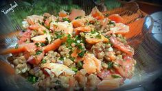 La meilleure recette de Salade aux lentilles et saumon fumé! L'essayer, c'est l'adopter! 4.3/5 (3 votes), 8 Commentaires. Ingrédients: 1 bol de lentilles  3 tomates  1 oignon ciselé très finement  Miettes de saumon fumé  Persil haché  Sel, poivre  Cumin  Huile d'olive  Vinaigre ou jus de citron