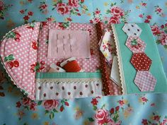 This is just too cute!!  Thimbles and Rings: Paper Piecing / Needle Book