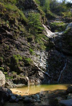 Cascata sul torrente Pescone (in un momento di poca portata), Agrano, Cusio agosto 2011