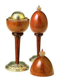 Hole-In-One Egg :: Theo Fabergé