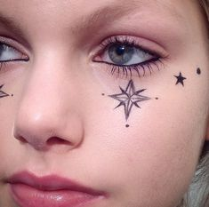 Drawing Stars On Your Face With Eyeliner Is The Most Whimsical Fashion Week Trend Yet Star Face Tattoo, Star Tattoos, S Tattoo, Samoan Tattoo, Polynesian Tattoos, Makeup Trends, Beauty Trends, Face Tattoos For Women, Facial Tattoos