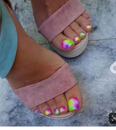 Here are the best Summer Toe Nail Design ideas for you. Keep your style game strong with Toe Nail designs for Summer. Best Summer Nail Art ideas are here. Pretty Toe Nails, Cute Toe Nails, Cute Toes, Pretty Toes, Gorgeous Nails, Neon Toe Nails, Beautiful Toes, Glam Nails, Fancy Nails