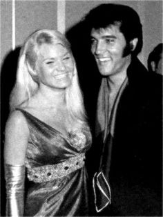 Elvis press conference , august 1 1969 in Las Vegas . Elvis at the reception after the press conference . Here with Pat Gill.