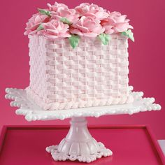 Find the best cake decoration and cake ideas. Step-by-step instructions help bring your cake ideas to life with detailed photos and tips from the Wilton cake decorating room. Square Birthday Cake, Adult Birthday Cakes, Birthday Cakes For Women, Cake Birthday, Square Cake Design, Square Cakes, Unique Cakes, Elegant Cakes, Cake Icing