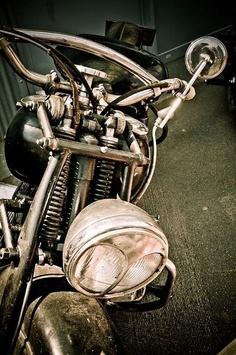 Vintage Indian - Springer front suspension.