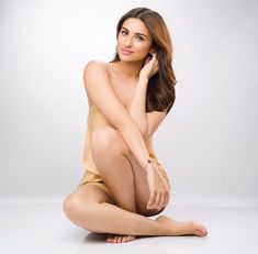 bollywood actress parineeti chopra hot pics