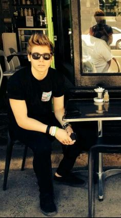 LUKE IN ALL BLACK THIS COULD ACTUALLY KILL ME