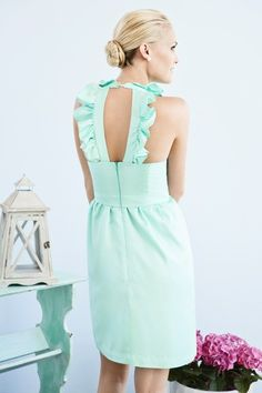 love this color and the back of dress.