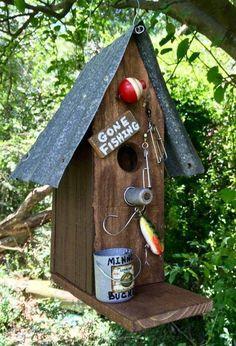 💙luv this💙so cute💚birdies gone fishing💚ha Bird Houses Painted, Bird Houses Diy, Homemade Bird Houses, Farm Houses, Bird House Feeder, Diy Bird Feeder, Bird House Plans, Bird House Kits, Traditional Birdhouses