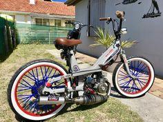 50cc Moped, Motos Vespa, Honda Cub, Street Tracker, Old Bikes, Mini Bike, Bike Design, Ghost Rider, Bobber