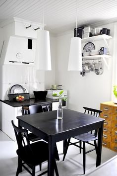 10+ Cool Black Kitchen Design Will Bring Mood Into Your House