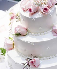 Light Rose & Pearl Cake
