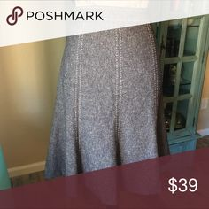 """Gray tweed Flare hem skirt. Size 2 EUC WHITE HOUSE BLACK MARKET tweed too stitched gore seams with a flare. Excellent used condition. Size 2 length 23"""" waist 15"""" 60% polyester, 38% Rayon 2% Spandex. White House Black Market Skirts"""