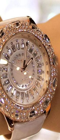 Diamond Watches Ideas : diamond watch Thank you Sweetheart! - Watches Topia - Watches: Best Lists, Trends & the Latest Styles Jewelry Box, Jewelry Watches, Jewelry Accessories, Fashion Accessories, Gold Jewelry, Bling Bling, Ring Armband, Estilo Glamour, Beautiful Watches
