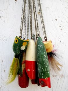 vintage fishing lure necklaces would be cute with chunky cream wool sweaters {DIY}