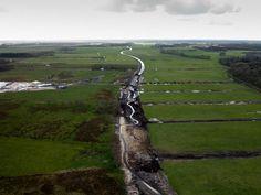 1) #MiddenloopVledderAa vanuit de de lucht  #beekherstel #waterberging #meanderen #werkinuitvoering @reestenwieden pic.twitter.com/QNIhfj6YFH
