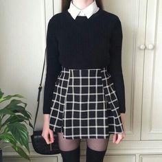 Nu Goth Fashion Tip Nº11: Plaid skirt - http://ninjacosmico.com/22-fashion-tips-nu-goth/