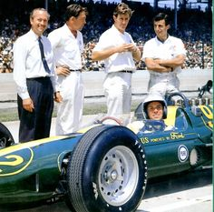 1963 Lotus-Ford with Colin Chapman and Jim Clark Indy Car Racing, Indy Cars, Formula 1, Parnelli Jones, F1 Lotus, Nascar, Race In America, Car And Driver, Vintage Racing