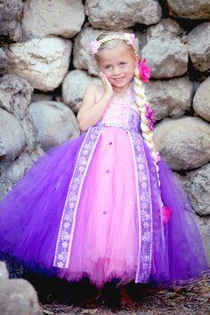 Items similar to Rapunzel Tutu dress- Rapunzel tulle dress- Rapunzel dress- Rapunzel costume on Etsy Diy Tutu, No Sew Tutu, Costume Halloween, Costume Carnaval, Batgirl Halloween, Scarecrow Costume, Rapunzel Costume, Rapunzel Dress, Princess Rapunzel