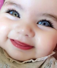 Every parent would be proud to have beautiful babies. Although the baby is cute in the eyes of his parents! You do not have to worry anymore. Cute Baby Boy, Cute Kids Pics, Cute Baby Girl Pictures, Cute Funny Babies, Cute Little Baby, Little Babies, Cute Babies Pics, Adorable Pictures, Beautiful Children