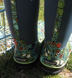 Ladies Bogs Boots give a funky edge to your winter boots